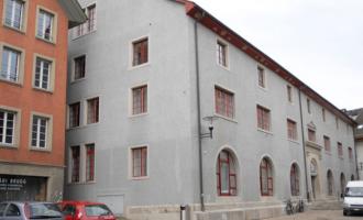 """Zvicerani dënohet sepse i ndihmoi """"kosovares së përdhunuar"""" të qëndronte në Zvicër"""