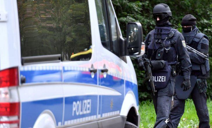 Gjermani, mbyllet qendra tregtare për shkak të kërcënimit