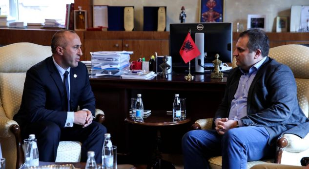 Ahmeti: Haradinaj po mbahet në Francë për shkak të demarkacionit