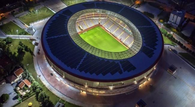 Biznesmeni turk ofron 50 milionë euro kredi për stadiumin e Kosovës
