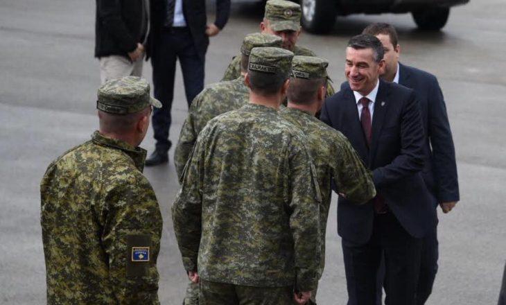 Veseli para procedimit të projektligjit për ushtrinë vizitoi FSK-në