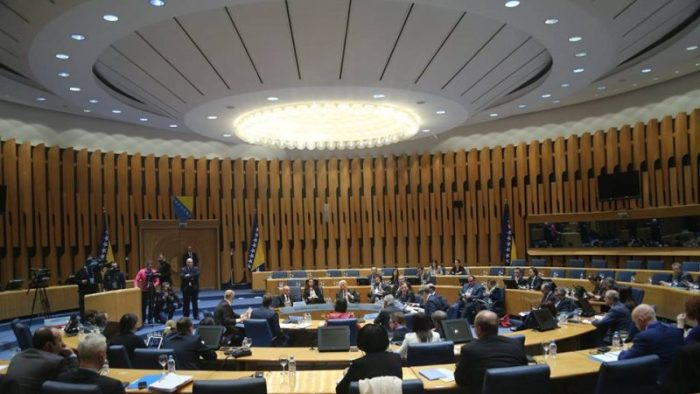 Paraqitja e Kosovës si shtet tensionon kryeministrin e Serbisë