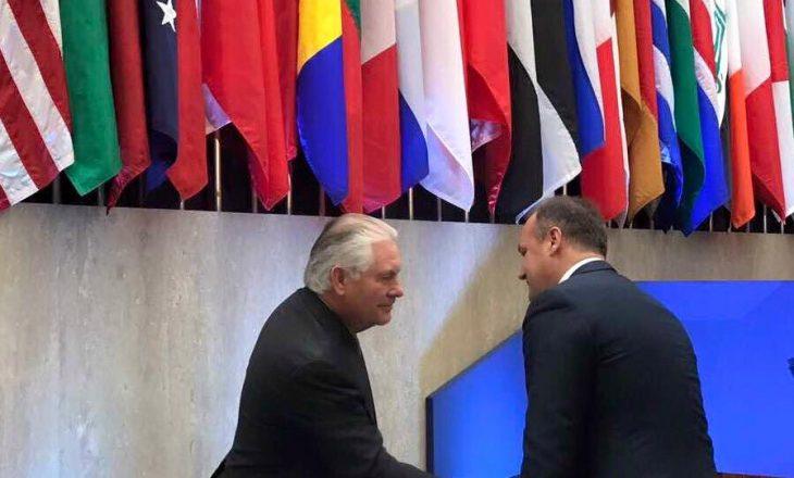 Hoxhaj falënderon Sekretarin Tillerson për mbështetjen amerikane
