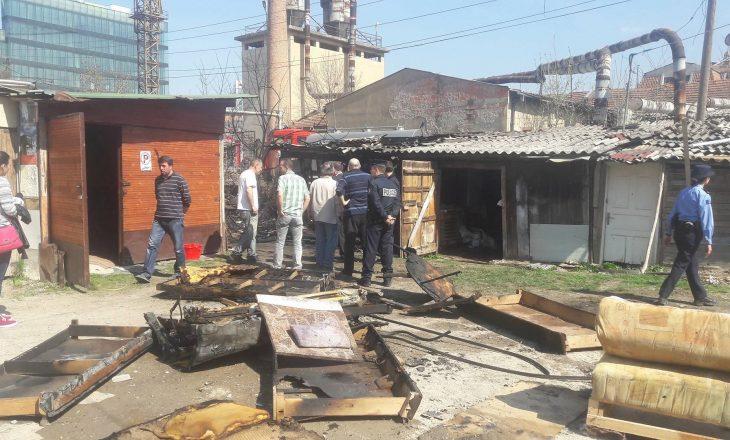 Digjet baraka me 20 shtretër në Prishtinë