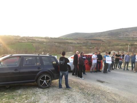 Banorët e Rahovecit ndalojnë deputetët serbë të bëjnë fushatë