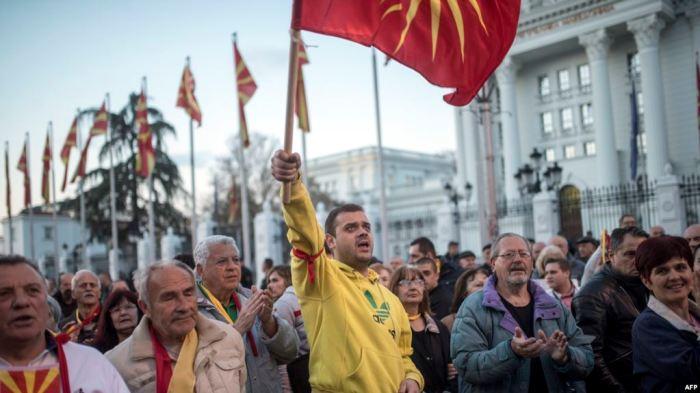 Paqartësitë e krizës politike tensionojnë situatën në Maqedoni