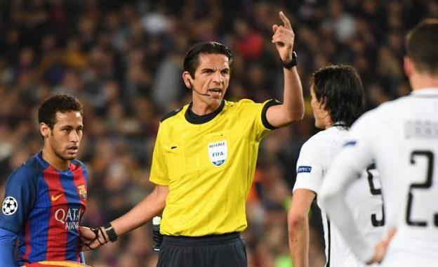 Gjyqtari i ndeshjes Barca-PSG nuk pezullohet, thotë UEFA