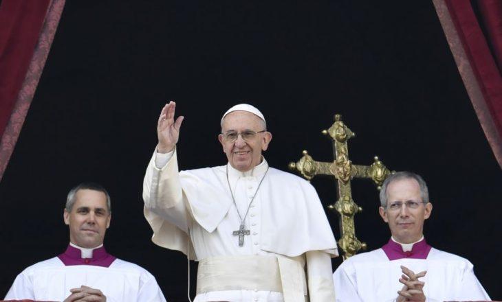 Papa Françesku do të vizitojë Egjiptin
