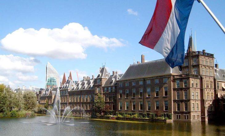 Holandë, e djathta pritet të shtojë votat me frikën nga të huajt