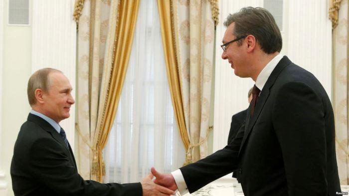 Vuçiqi takohet me Putinin disa ditë para zgjedhjeve në Serbi