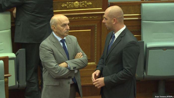 Analistët thonë se Lista Serbe u kthye në Kuvend me koncesione