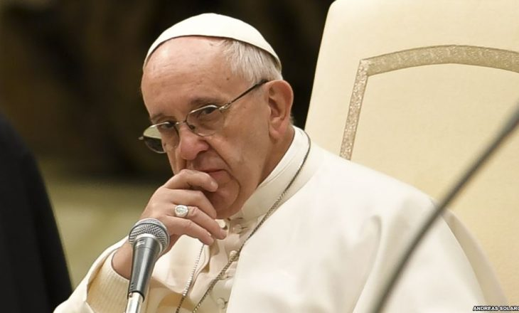 Papa dërgon 100,000 euro në Alepo
