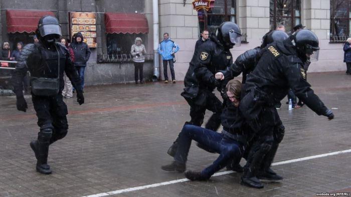 BE-ja dhe SHBA-ja kërkojnë lirimin e të gjithë të arrestuarve në Bjellorusi