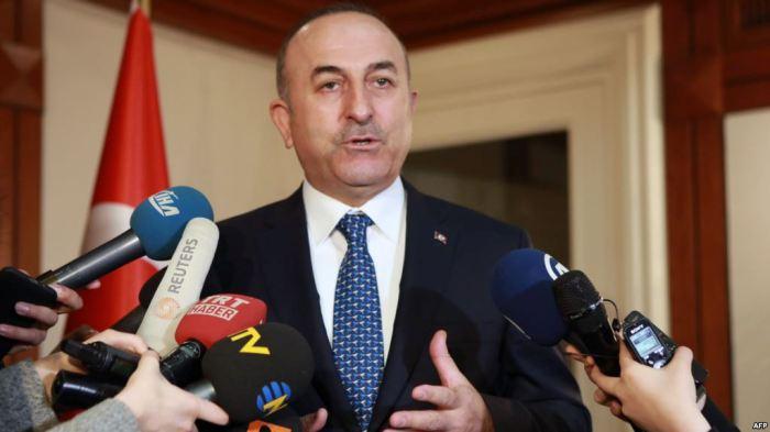 Ministri i Jashtëm turk sfidon autoritetet gjermane