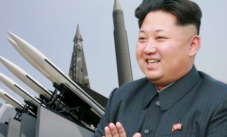 """Koreja Veriore paralajmëron ShBA-të për """"sulme të pamëshirshme"""""""
