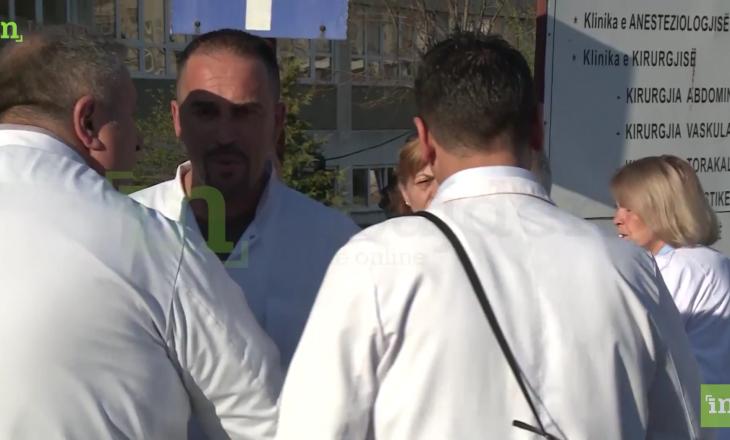 Mjeku kërcënues e quan provokator qytetarin që kërkoi ndihmë mjekësore