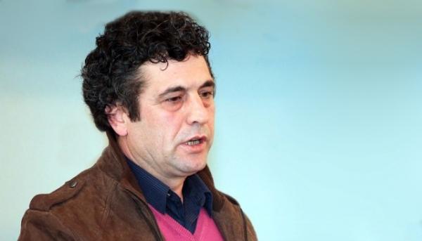 Kërcënohet shkrimtari Agron Tufa, pasi kërkoi të ndalohen filmat e regjimit të Enver Hoxhës