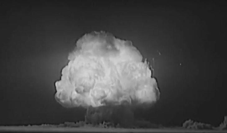 Qeveria e SHBA-së publikon video të testeve sekrete të armëve nukleare