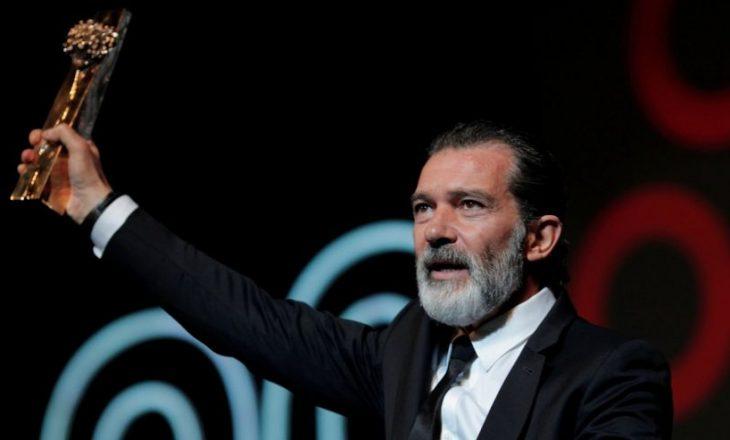Antonio Banderas po kurohet pas sulmit në zemër