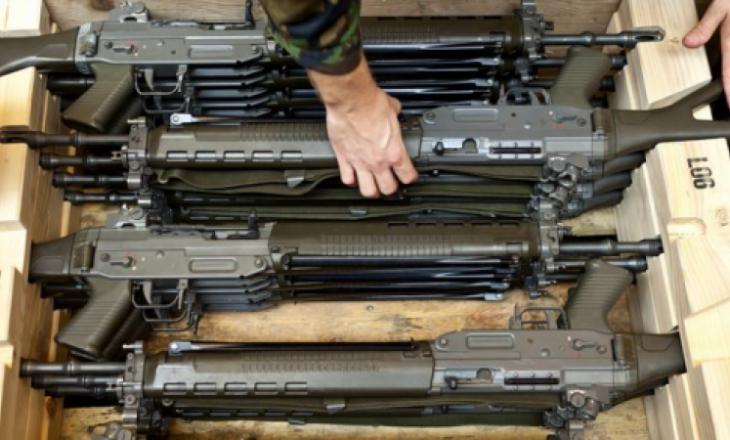 Evropa ashpërson ligjin për armët, duhet të përshtatet edhe Zvicra