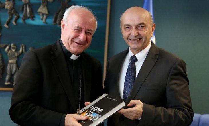 Kryeministri falënderon arqipeshkvin italian për përkrahje ndaj Kosovës
