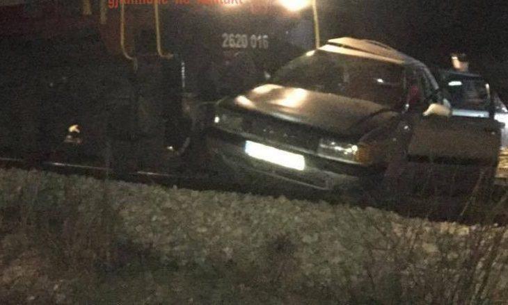 Aksident i rëndë në Klinë, treni godet veturën