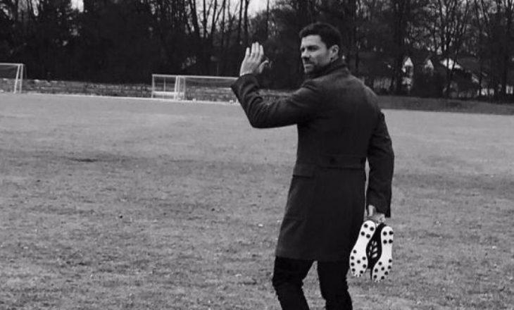 Alonso pensionohet nga futbolli
