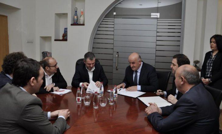 Ndahen 800 mijë euro për ndërtimin e stadiumit në Viti