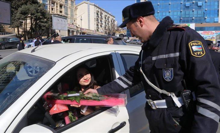 Dita e Gruas në Azerbajxhan, policët bënë befasi