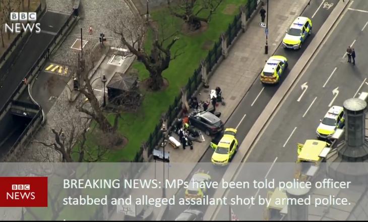 Vritet sulmuesi jashtë parlamentit britanik pasi plagosi me thikë një polic