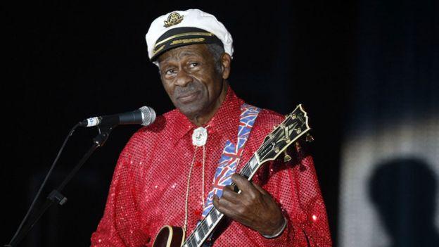 Ka ndërruar jetë legjenda e rokenrollit Chuck Berry