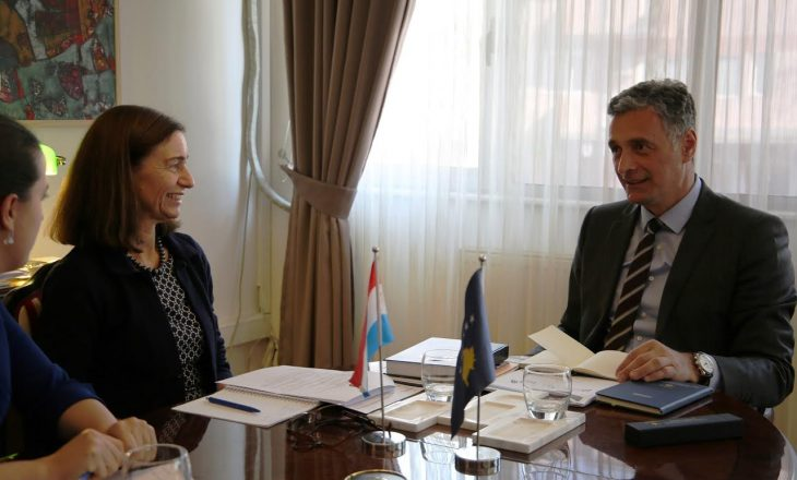 Lumezi njofton ambasadoren holandeze me të arriturat e Kryeprokurorit të Shtetit