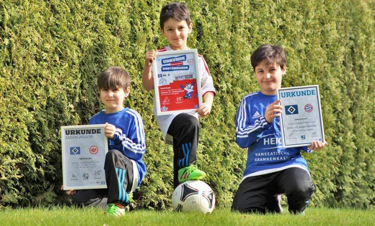 Tre vëllezërit Bisaku zgjidhen për të shoqëruar futbollistët e Hamburgut