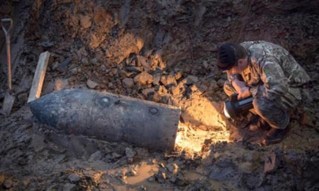 Në Londër, çaktivizohet një bombë e Luftës së II-të Botërore