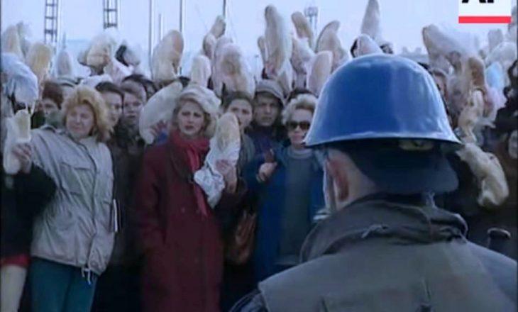 """19 vite më parë: Rrëfimet për protestën """"Bukë për gratë dhe familjet e Drenicës"""""""