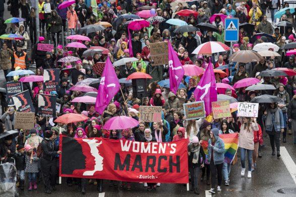 Mbi 10 mijë gra protestojnë në Cyrih kundër seksizmit
