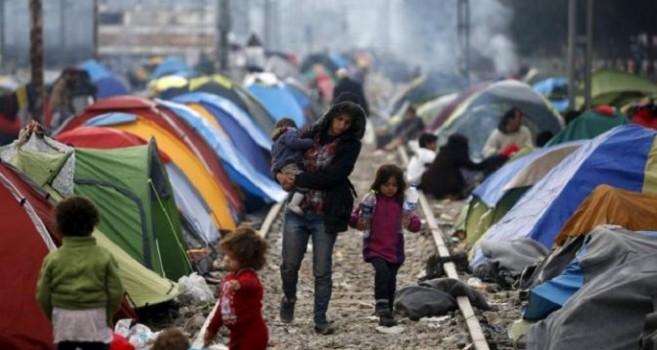 Maqedonia dhe Serbia 'përfitojnë' nga kriza e refugjatëve