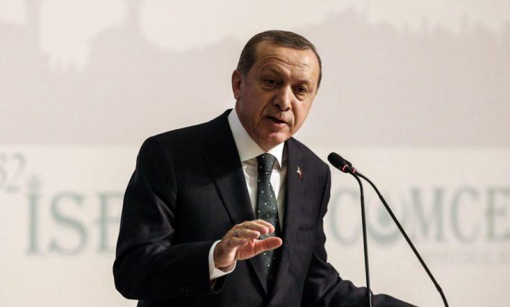 Erdogan e akuzon Merkelin për mbështetje të terroristëve
