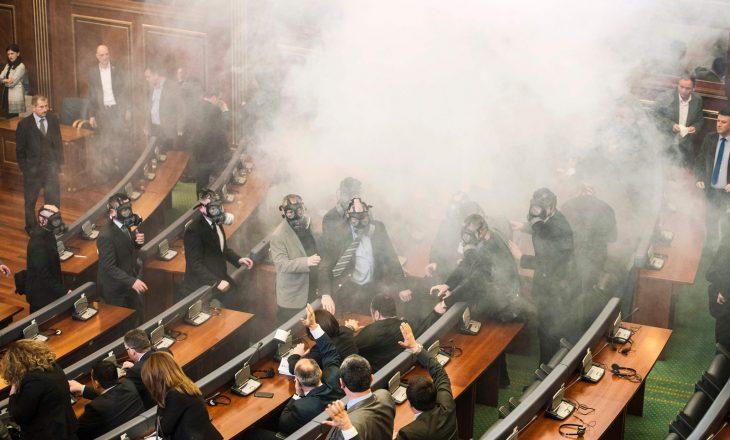 Departamenti Amerikan i Shtetit kritikon hedhjen e gazit lotsjellës në Kuvend