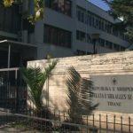 Dënohet shqiptarja që la fëmijët në Gjermani