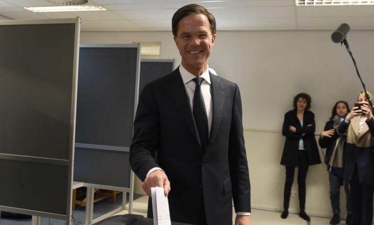 Kryeministri holandez mposht kandidatin anti-islamik