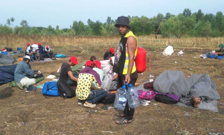 Në Hungari hapet një bazë ushtarake për ndaljen e imigrantëve
