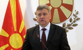 Tri parti shqiptare thonë se vendimi i Ivanovit do të ketë pasoja katastrofale në Maqedoni