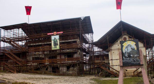 Qeveria organizon manifestim për 19-vjetorin e rënies së Jasharëve