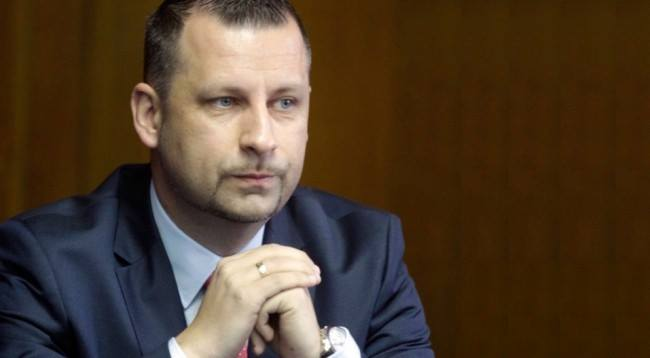 Vetura që e dërgoi ministrin serb në gjykatë