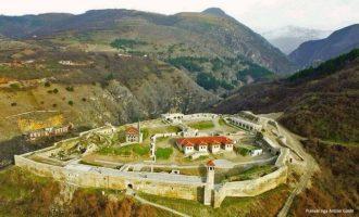 Një avokat paditë Ramadan Mujën për refuzimin e ndërtimit në xhaminë në Kalanë e Prizrenit