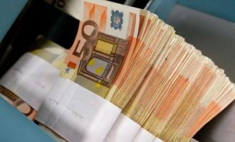 Bankat e mëdha fshehin paratë në parajsat fiskale, sipas raportit të Oxfam