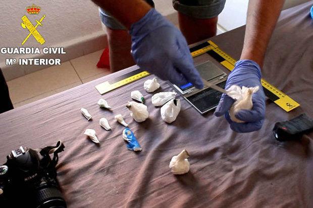 Çifti shqiptar kapet mat duke kontrabanduar kokainë