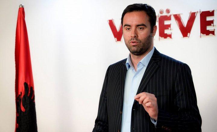 """""""Nëse Isa Mustafa dhe PDK-ja nuk bien nga pushteti, nuk ndryshon Kosova"""""""