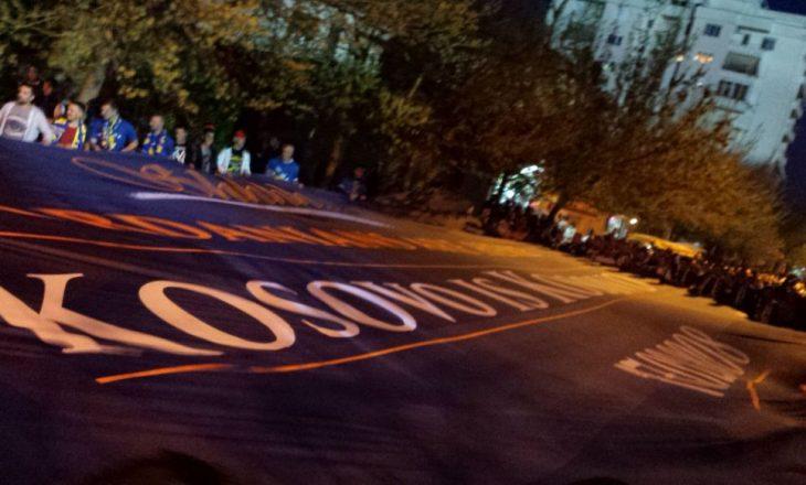 """""""Kosova nuk është Kosovë"""" – tifozët vushtrrias reagojnë ndaj """"Dardanëve"""" [foto]"""